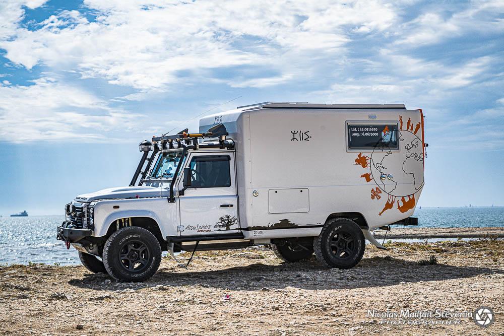Cellule PSI Azalai sur un Land Rover Defender