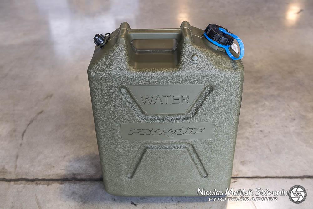 Jerrycan pour le transport de l'eau